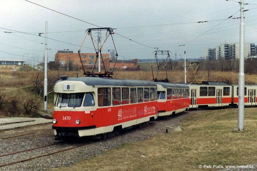 Fotogalerie » Tatra T2R 1470 | Tatra T2R 1462 | Brno | Líšeň | Novolíšeňská | Novolíšeňská, smyčka