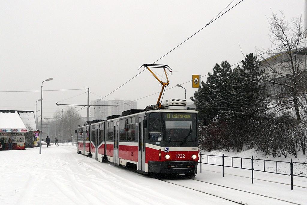 Fotogalerie » ČKD Tatra KT8D5N 1732 | Brno | Líšeň | Novolíšeňská