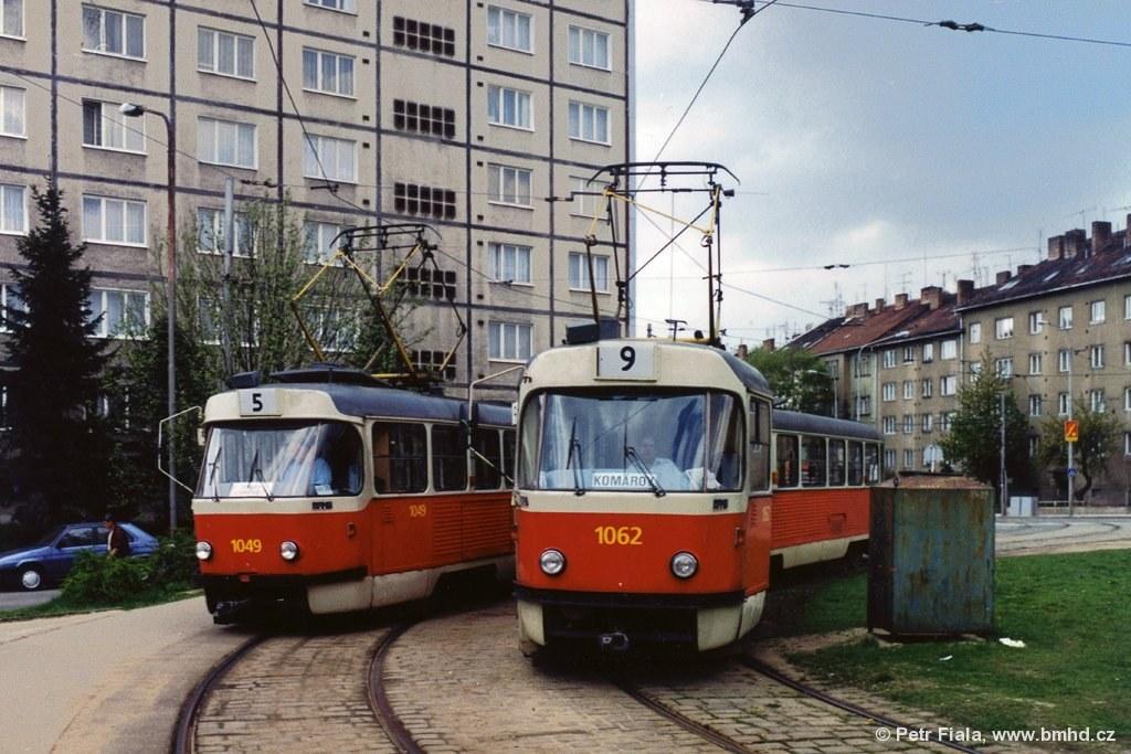 Fotogalerie » ČKD Tatra K2MM 1049 | ČKD Tatra K2MM 1062 | Brno | Černá Pole | Merhautova | Štefánikova čtvrť, smyčka