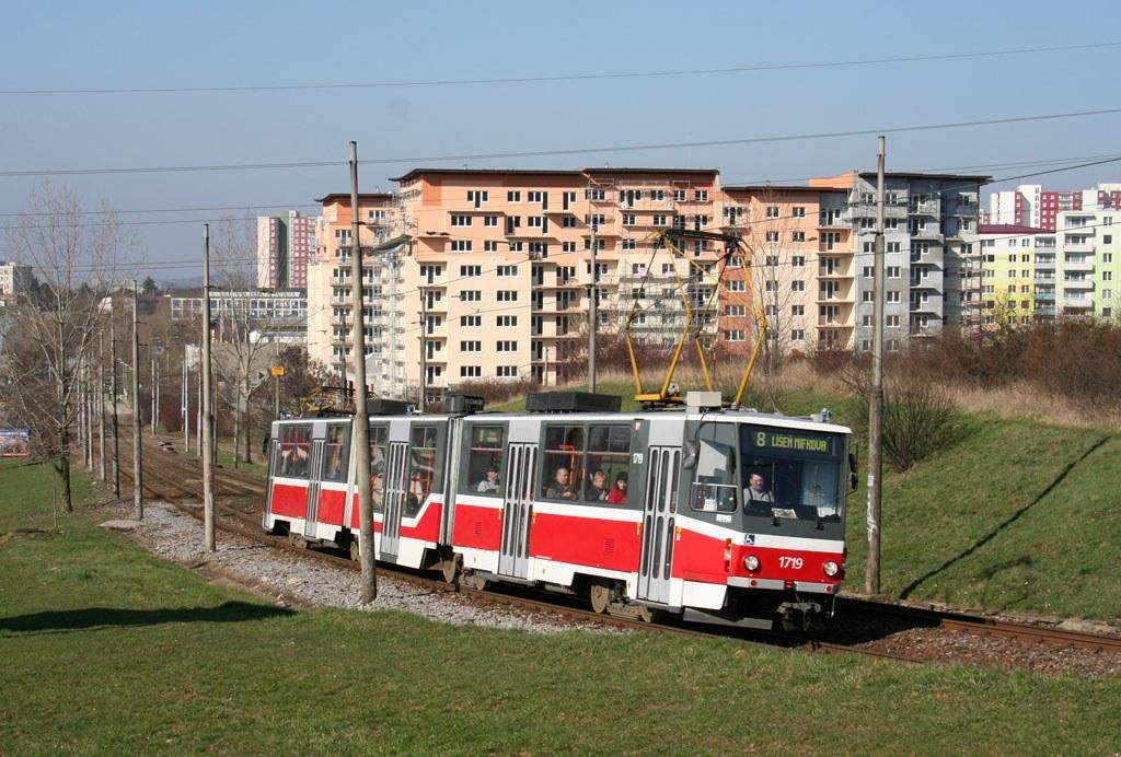 Fotogalerie » ČKD Tatra KT8D5R.N2 1719 | Brno | Líšeň | Novolíšeňská