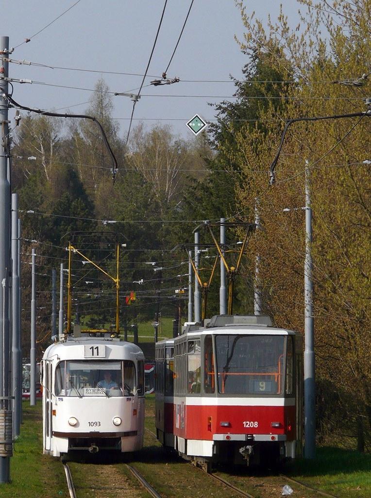 Fotogalerie » ČKD Tatra K2 1093 | ČKD DS T6A5 1208 | Brno | Lesná