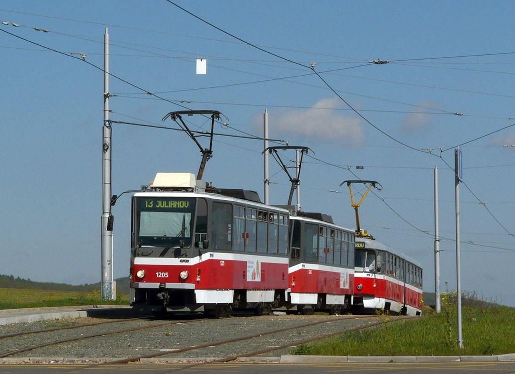 Fotogalerie » ČKD DS T6A5 1205 | ČKD DS T6A5 1206 | Brno | Medlánky | Purkyňova | Technologický park, smyčka