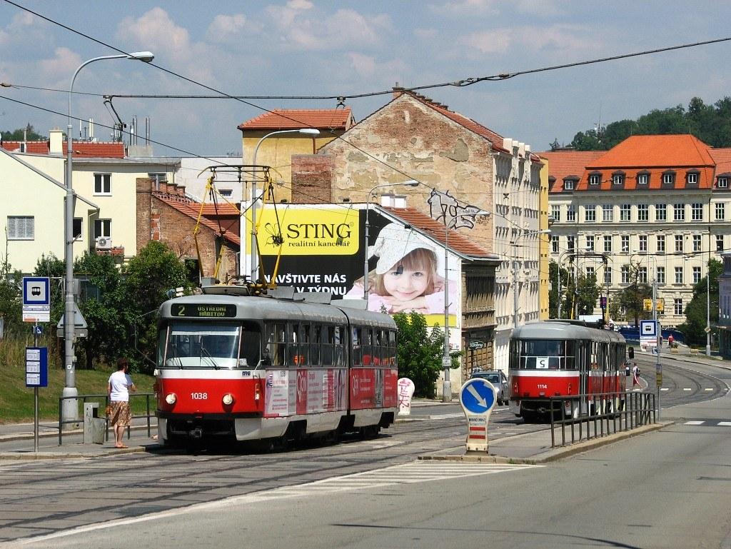 Fotogalerie » ČKD Tatra K2T 1038 | ČKD Tatra K2 1114 | Brno | Štýřice | Vídeňská | Nemocnice Milosrdných bratří