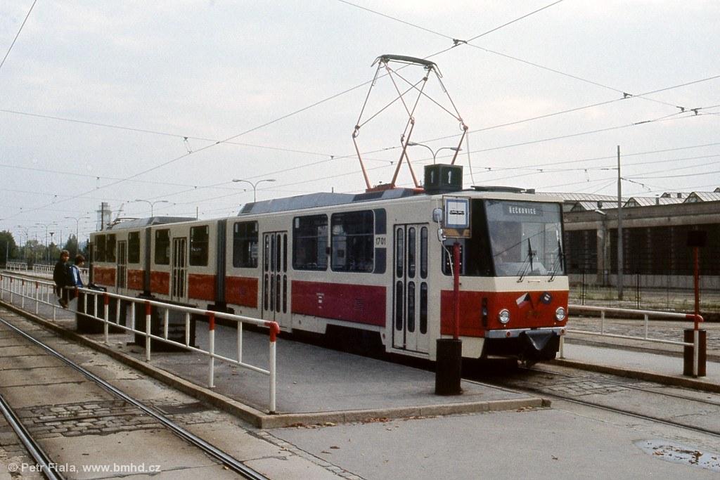 Fotogalerie » ČKD Tatra KT8D5 1701   Brno   Pisárky   Hlinky   Pisárky