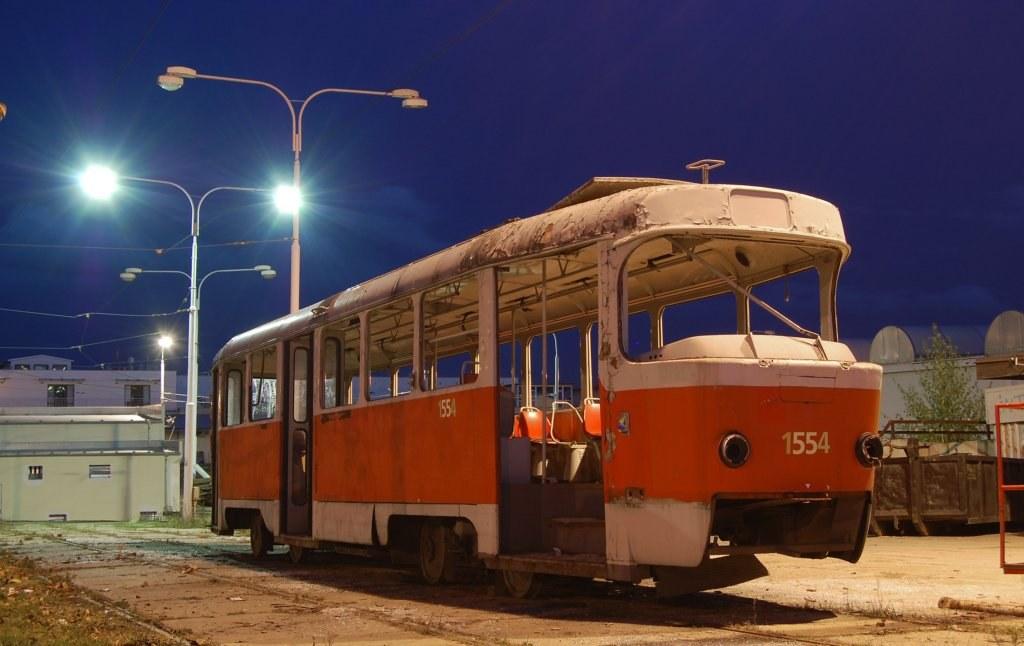 Fotogalerie » ČKD Tatra T3 1554   Brno   vozovna Medlánky
