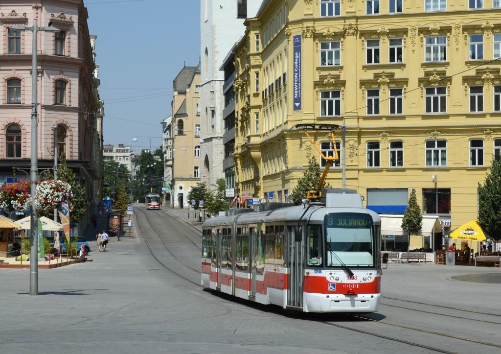 Fotogalerie » Pragoimex VarioLF2R.E 1098 | Brno | střed | náměstí Svobody