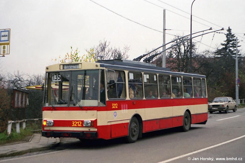 Fotogalerie » Škoda 14Tr08/6 3212 | Brno | Nový Lískovec | Rybnická | Kluchova
