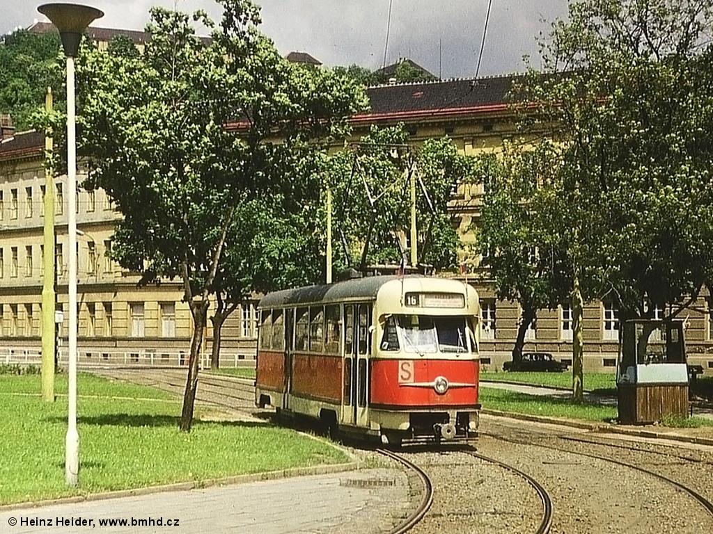 Fotogalerie » Tatra T2 1438   Brno   Staré Brno   Mendlovo náměstí   Mendlovo náměstí