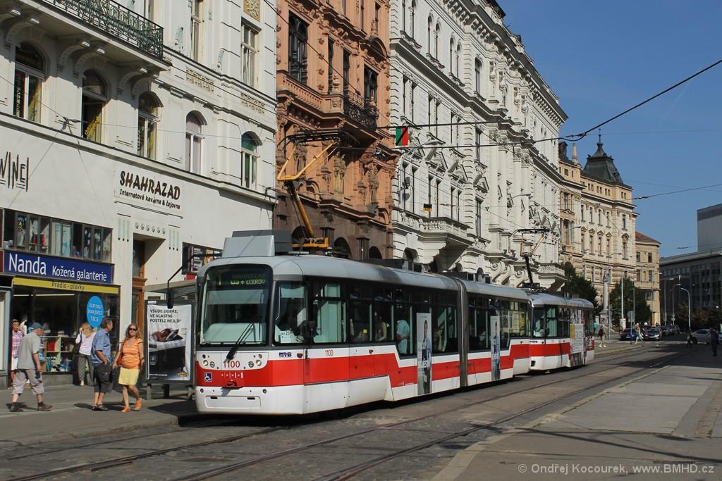 Fotogalerie » Pragoimex VarioLF2R.E 1100 | Pragoimex VarioLFR.E 1539 | Brno | střed | Malinovského náměstí | Malinovského náměstí