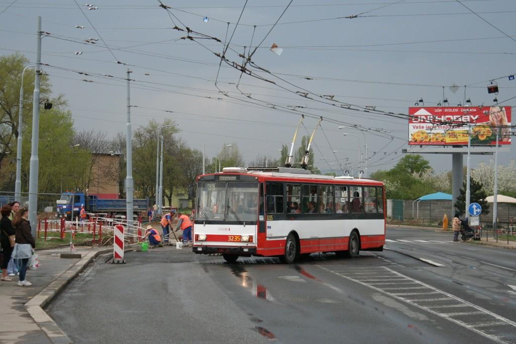 Fotogalerie » Škoda 14Tr10/6 3235 | Brno | Slatina | Hviezdoslavova | Černovičky