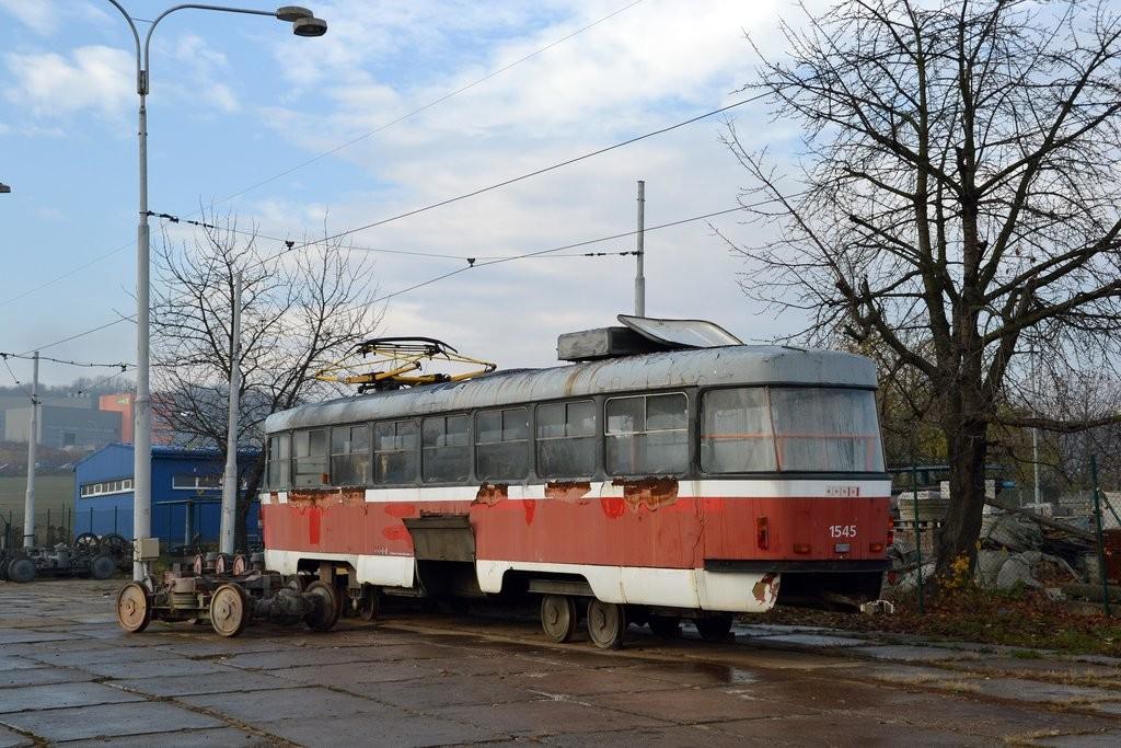 Fotogalerie » ČKD Tatra T3M 1545   Brno   vozovna Medlánky