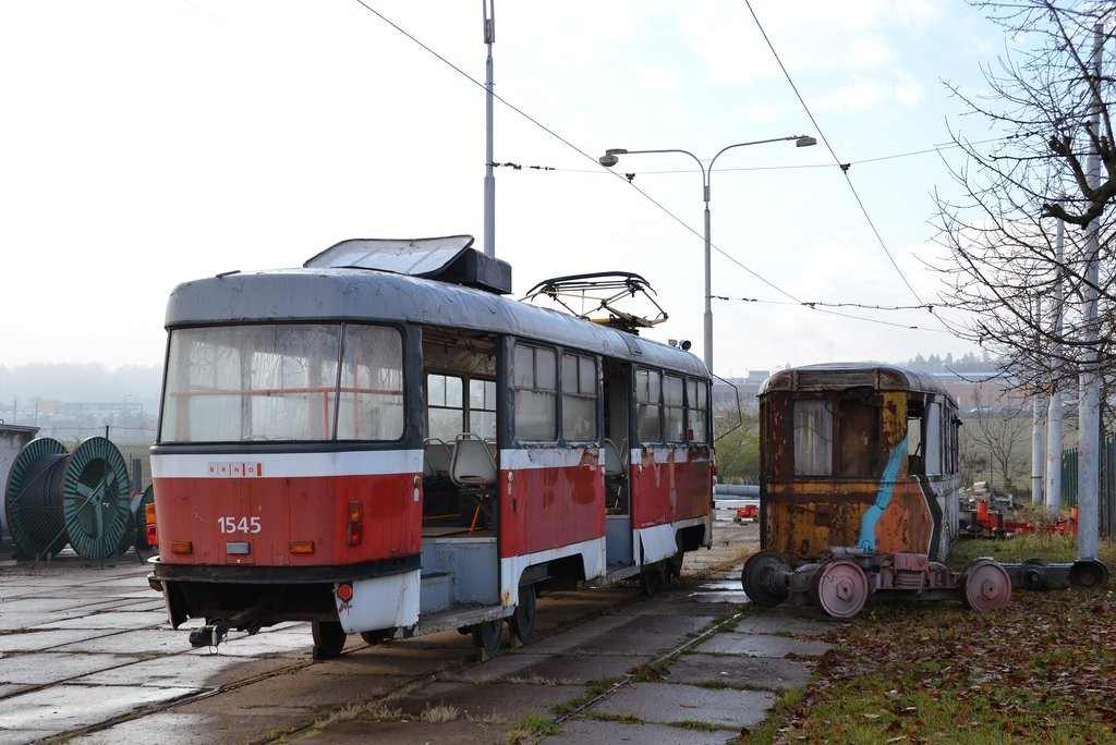 Fotogalerie » ČKD Tatra T3M 1545 | KPS Brno vv4 313 | Brno | vozovna Medlánky