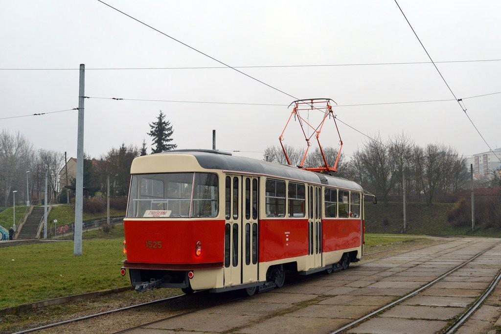 Fotogalerie » ČKD Tatra T3 1525 | Brno | Bystrc | Rakovecká | Rakovecká, smyčka