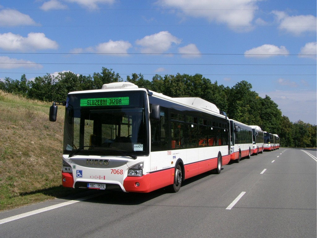 Fotogalerie » Iveco Urbanway 12M CNG 1BC 1574 7068   Popůvky   Vintrovna