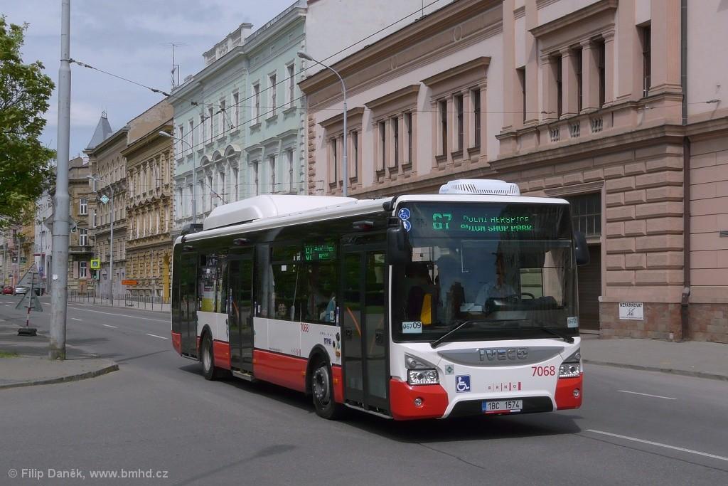 Fotogalerie » Iveco Urbanway 12M CNG 1BC 1574 7068 | Brno | Černá Pole | náměstí 28. října