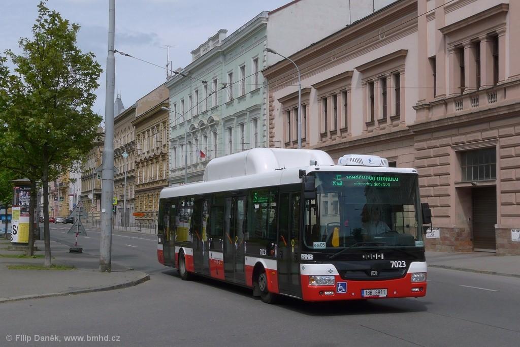 Fotogalerie » SOR NBG 12 1BB 6911 7023 | Brno | Černá Pole | náměstí 28. října