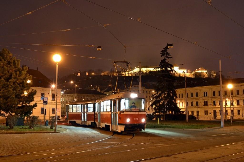 Fotogalerie » ČKD Tatra K2 1123 | Brno | Staré Brno | Mendlovo náměstí | Mendlovo náměstí, smyčka