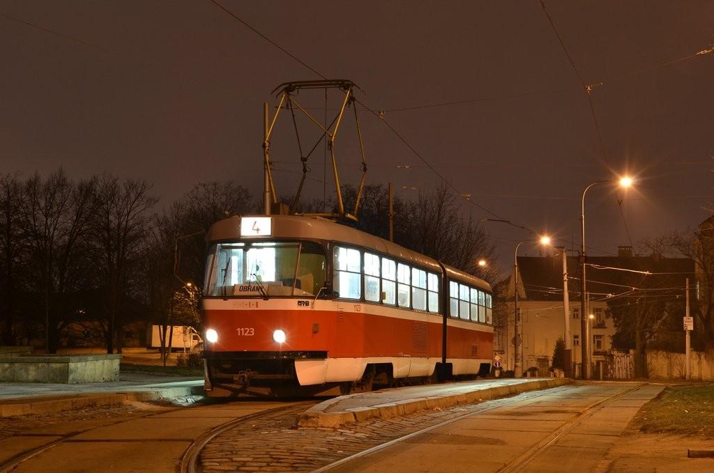 Fotogalerie » ČKD Tatra K2 1123 | Brno | Masarykova čtvrť | Náměstí míru | Náměstí Míru, smyčka
