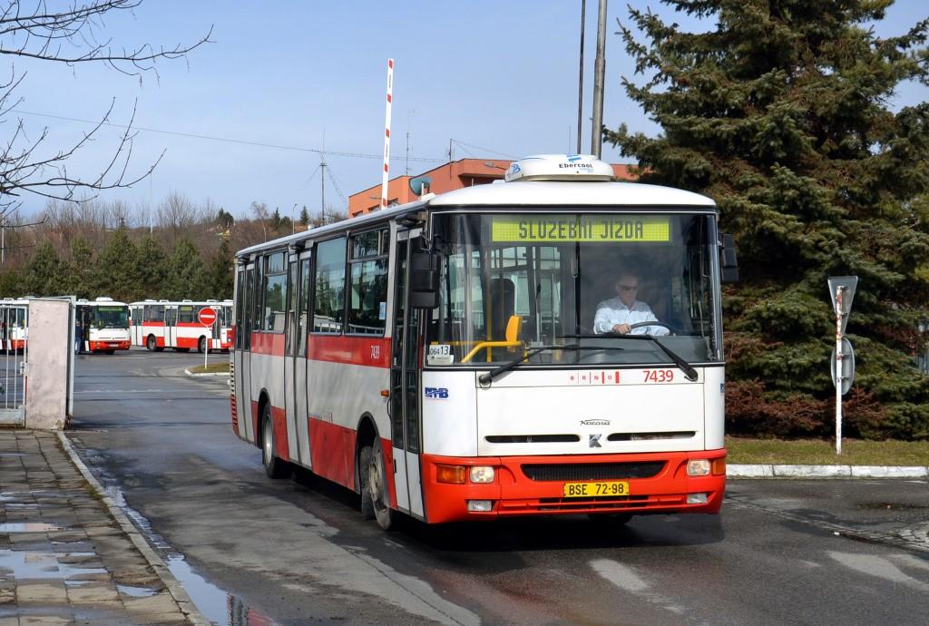 Fotogalerie » Karosa B931.1675 BSE 72-98 7439   Brno   Slatina   Hviezdoslavova   Vozovna Slatina