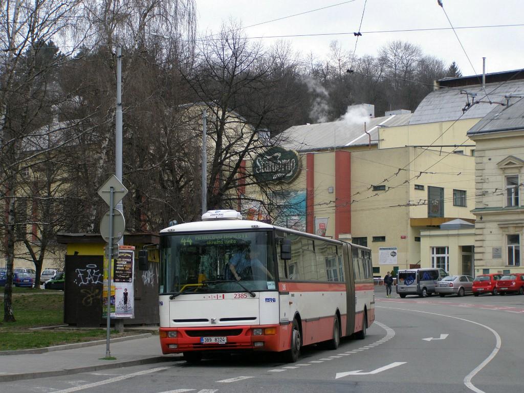 Fotogalerie » Karosa B961E.1970 3B9 8324 2385 | Brno | Staré Brno | Mendlovo náměstí | Mendlovo náměstí