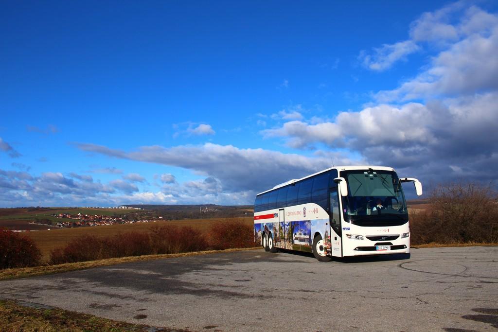 Fotogalerie » Volvo Volvo 9700/B6SC BUS DPMB1 2901   Bedřichovice   Žuráň, parkoviště