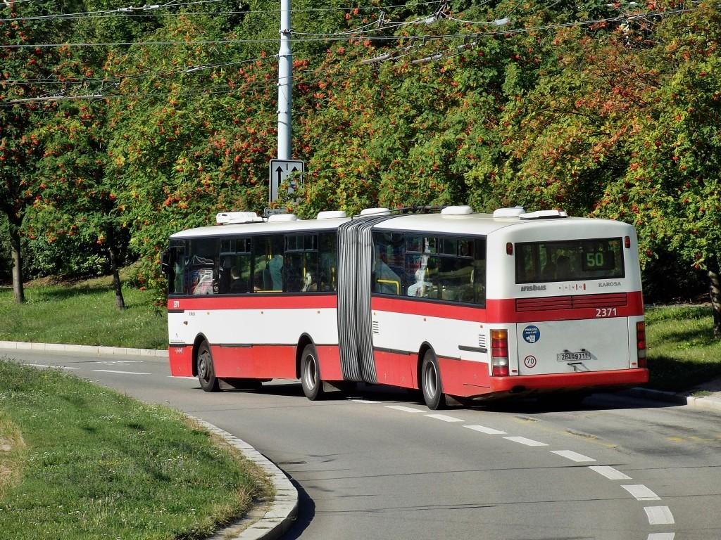 Fotogalerie » Karosa B961E.1970 2B4 9311 2371 | Brno | Nový Lískovec | Petra Křivky | Čtvrtě