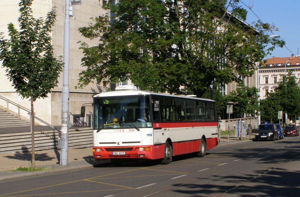 Fotogalerie » Karosa B951E.1713 3B9 8311 7481 | Brno | střed | Rooseveltova | Janáčkovo divadlo