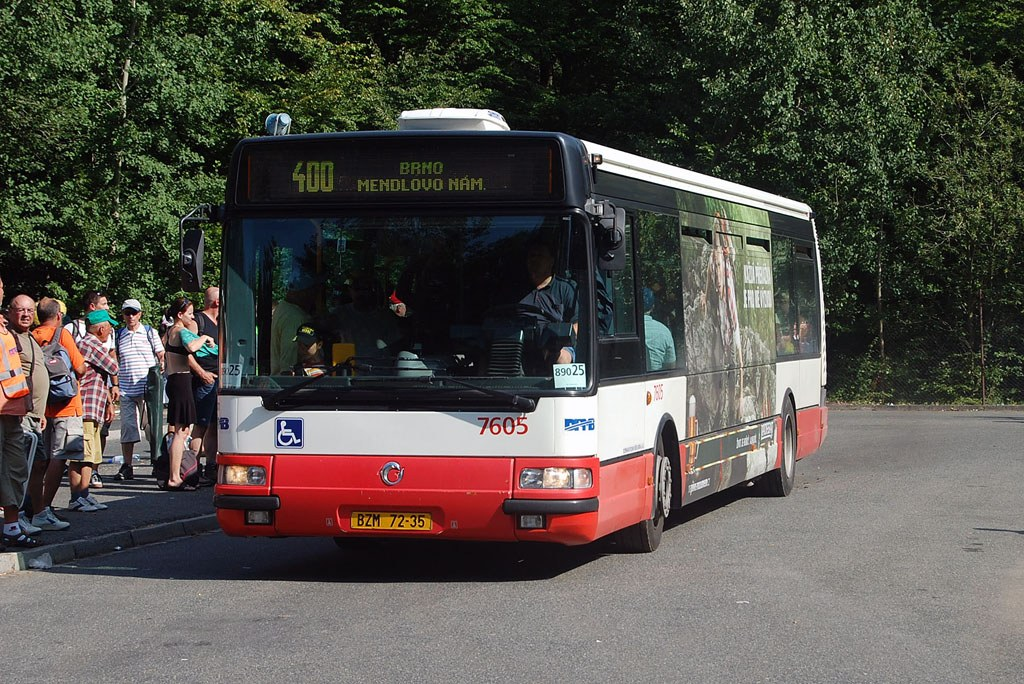 Fotogalerie » Irisbus Citybus 12M 2071.20 7605 | Ostrovačice | Ostrovačice, start