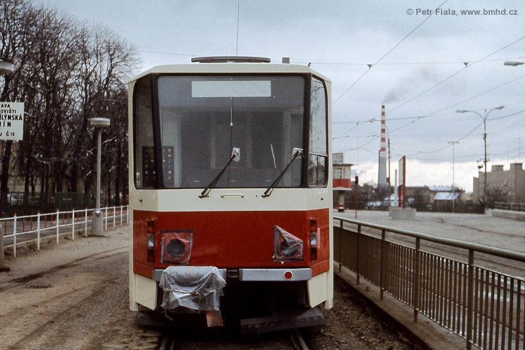 Fotogalerie » ČKD Tatra KT8D5 1701 | Brno | Pisárky | Hlinky | Výstaviště, hlavní vstup