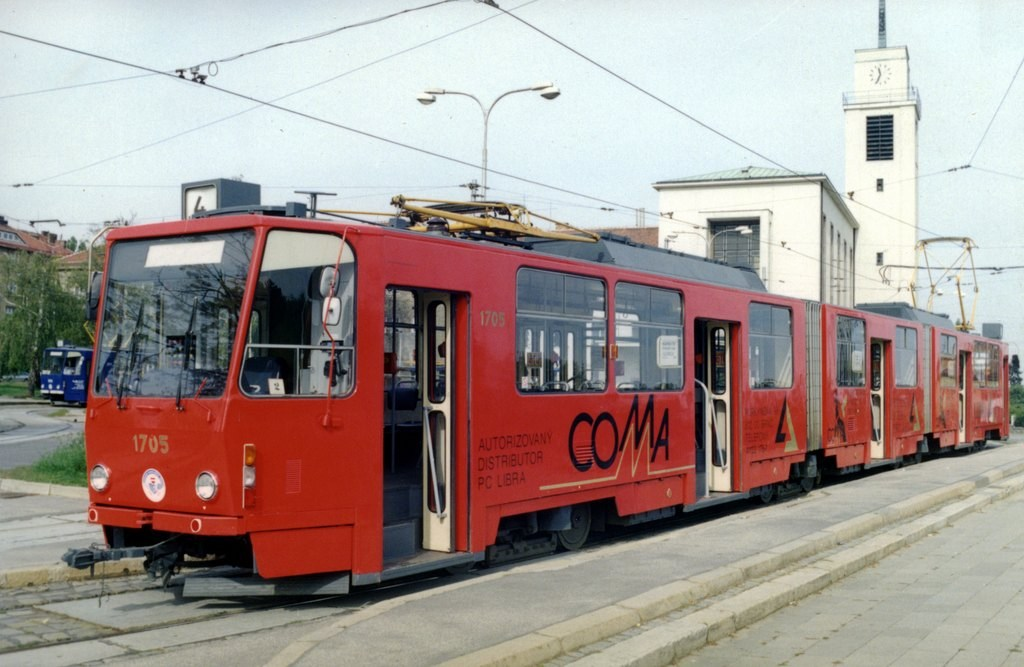 Fotogalerie » ČKD Tatra KT8D5 1705 | Brno | Masarykova čtvrť | náměstí Míru | Náměstí Míru