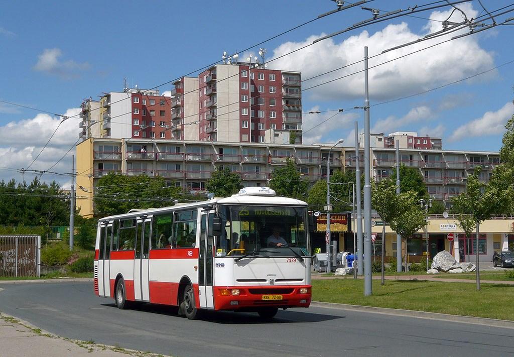 Fotogalerie » Karosa B931.1675 7439   Brno   Vinohrady   Pálavské náměstí