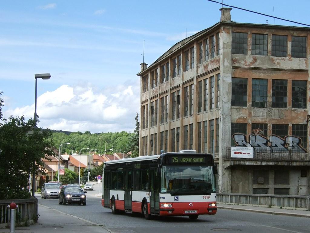 Fotogalerie » Irisbus Citybus 12M 2071.40 7619 | Brno | Obřany | Fryčajova