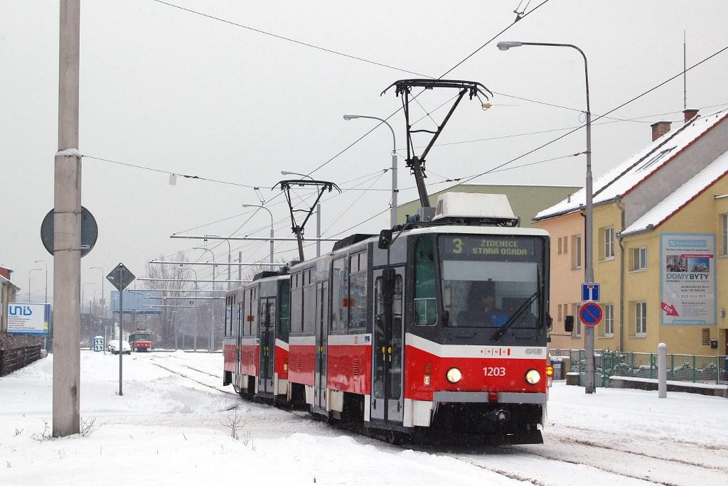 Fotogalerie » ČKD DS T6A5 1203 | ČKD DS T6A5 1204 | Brno | Komín | Jundrovská | Komín, smyčka