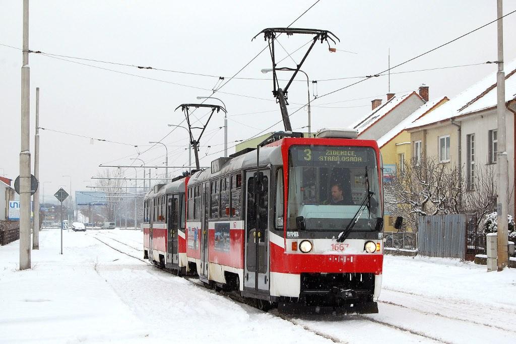 Fotogalerie » ČKD DS T3R 1667 | ČKD DS T3R 1668 | Brno | Komín | Jundrovská | Komín, smyčka