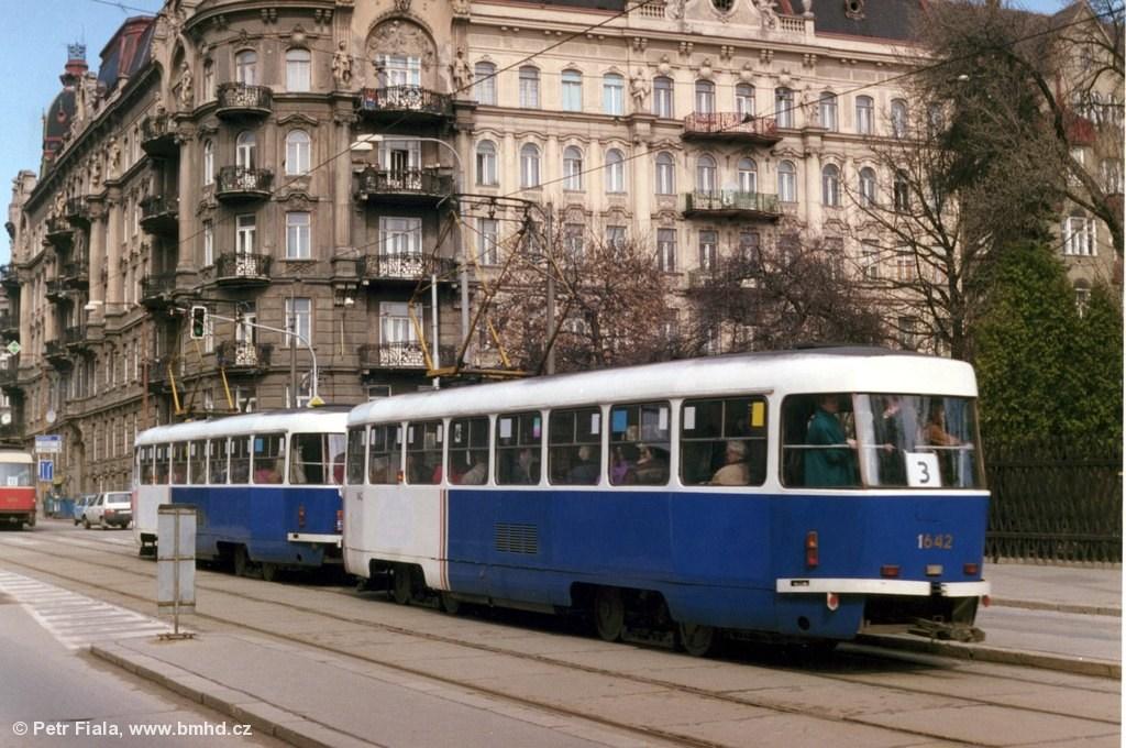 Fotogalerie » ČKD Tatra T3G 1642 | ČKD Tatra T3G 1641 | Brno | Veveří | Veveří | Konečného náměstí