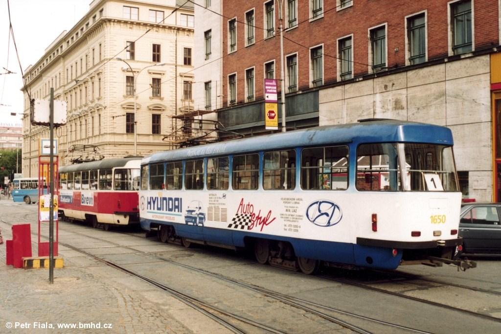 Fotogalerie » ČKD Tatra T3G 1649 | ČKD Tatra T3G 1650 | Brno | střed | Malinovského náměstí | Malinovského náměstí