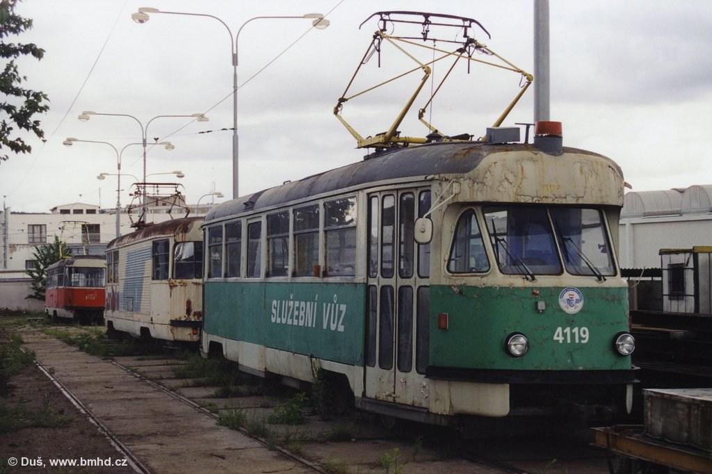 Fotogalerie » Tatra T2 služební 4119 | Tatra T2 služební 4113 | Brno | Vozovna Medlánky
