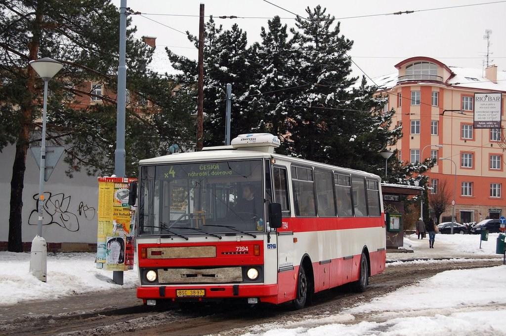 Fotogalerie » Karosa B732.1654.3 7394 | Brno | Masarykova čtvrť | Náměstí míru | Náměstí Míru, smyčka