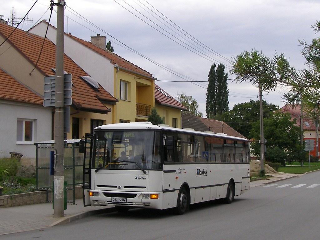 Fotogalerie » Karosa B952E 2B7 5802 | Kobylnice | Na návsi | Kobylnice, obecní úřad