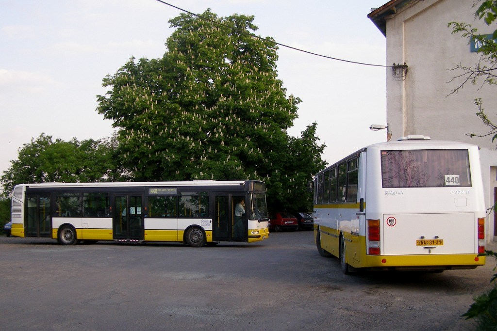 Fotogalerie » Irisbus Citybus 12M 4B7 4243   Karosa C934 ZNA 31-31   Moravský Krumlov   Moravský Krumlov, žel. st.