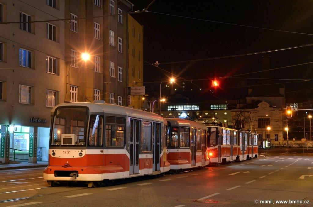 Fotogalerie » ČKD Tatra KT8D5R.N2 1724 | Pragoimex VV60LF 1303 | Pragoimex VV60LF 1301 | Brno | Staré Brno | Křížová