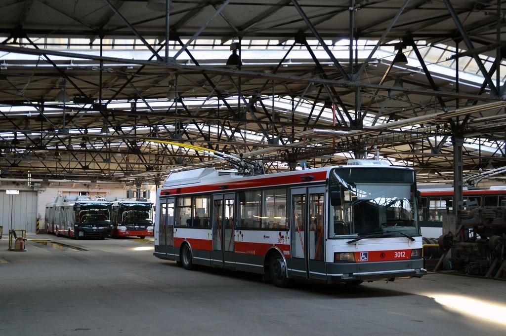 Fotogalerie » Škoda 21Tr 3012 | Brno | Vozovna Husovice