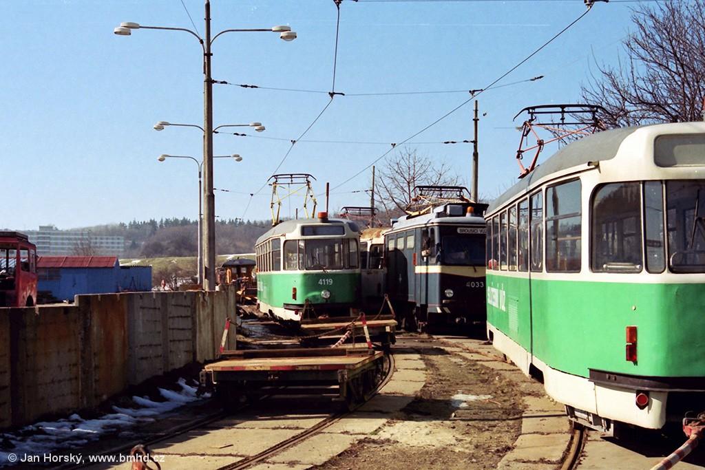 Fotogalerie » Tatra T2 4119 | Schörling Hannover Schörling 4033 | Tatra T2 4120 | Brno | Medlánky | Vozovna Medlánky