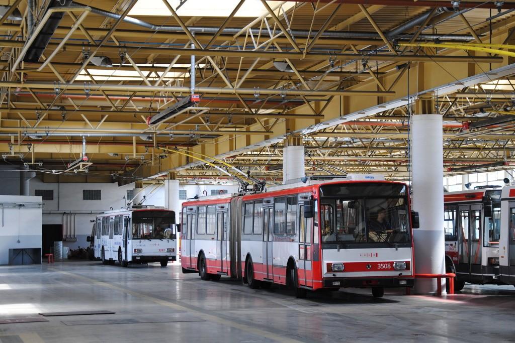 Fotogalerie » Škoda 15TrM 3508 | Škoda 14Tr17/6M 3282 | Brno | Komín | vozovna Komín