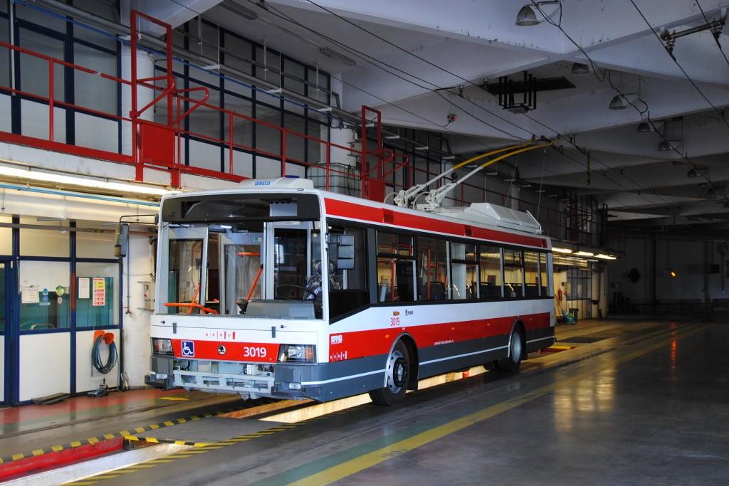 Fotogalerie » Škoda 21Tr 3019 | Brno | Komín | vozovna Komín