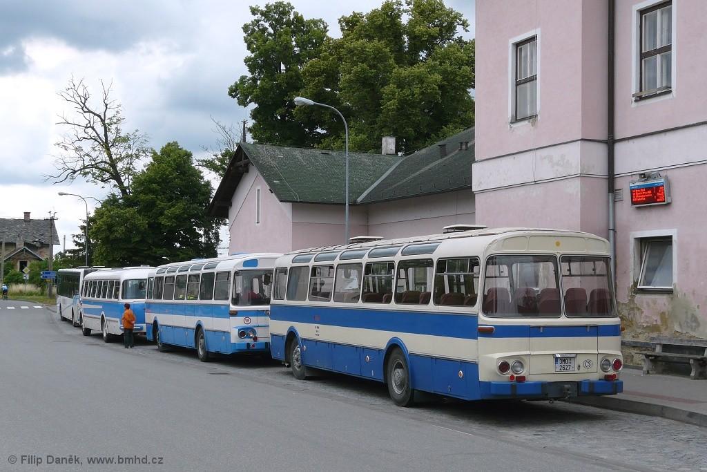 Fotogalerie » Karosa ŠL11.1310 3M0 2627 | Karosa ŠL11.1310 3J3 7844 | Škoda 706 RTO CAR 3J3 7827 | Sokolnice | K Nádraží | Sokolnice, žel. st.