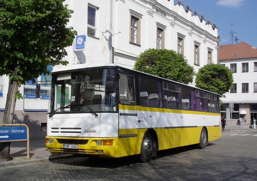 Fotogalerie » Karosa C935E 5B5 0830 | Moravský Krumlov | náměstí TGM | Moravský Krumlov, náměstí