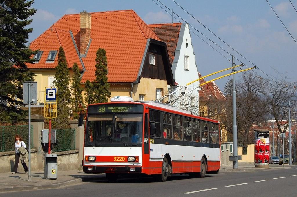 Fotogalerie » Škoda 14TrR 3220 | Brno | Masarykova čtvrť | Tvrdého | Žlutý kopec