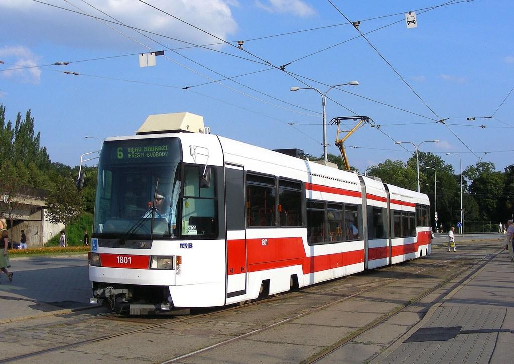 Fotogalerie » ČKD DS RT6N1 1801 | Brno | Královo Pole | Budovcova | Královo Pole, nádraží