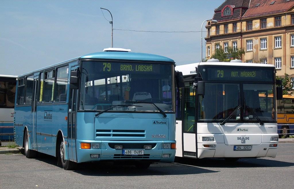 Fotogalerie » Karosa C934 4B6 0485 | MAN MAN Lions City TÜ 4B4 3203 | Brno | Trnitá | ÚAN Zvonařka